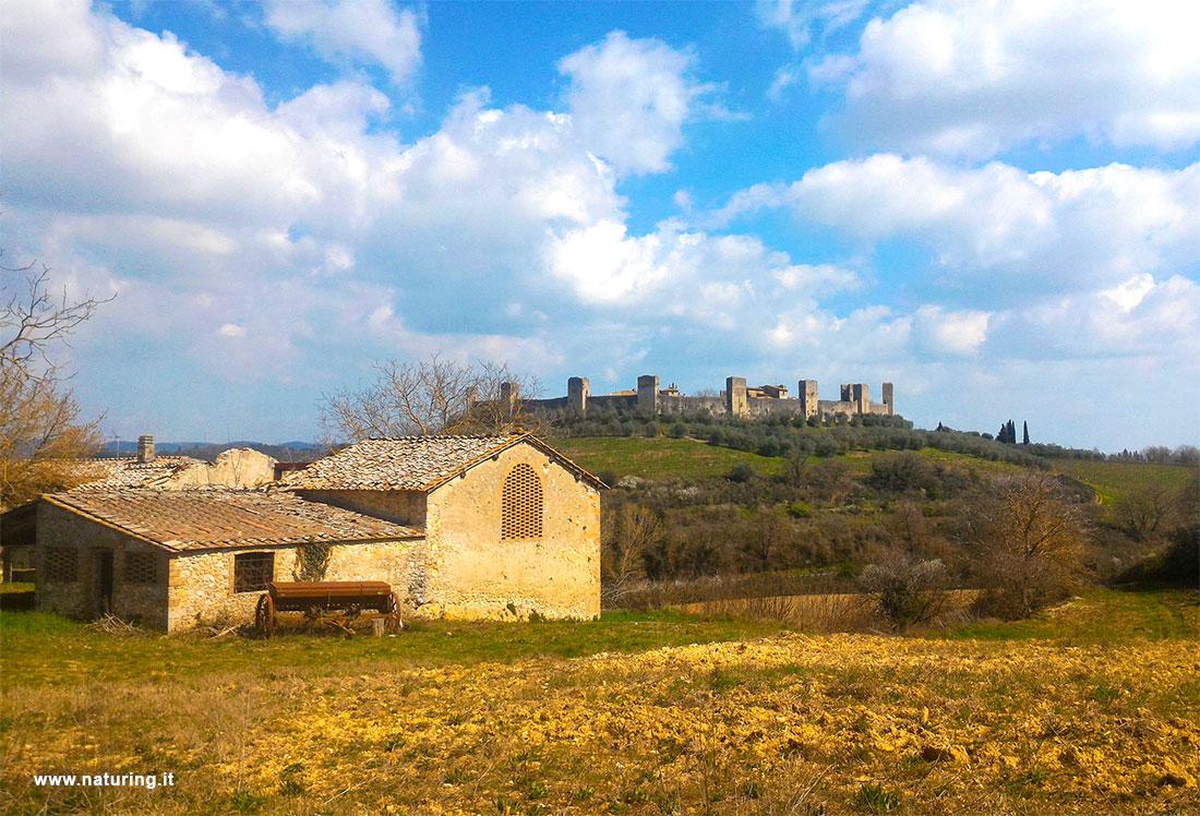 castle-monteriggioni-tuscany